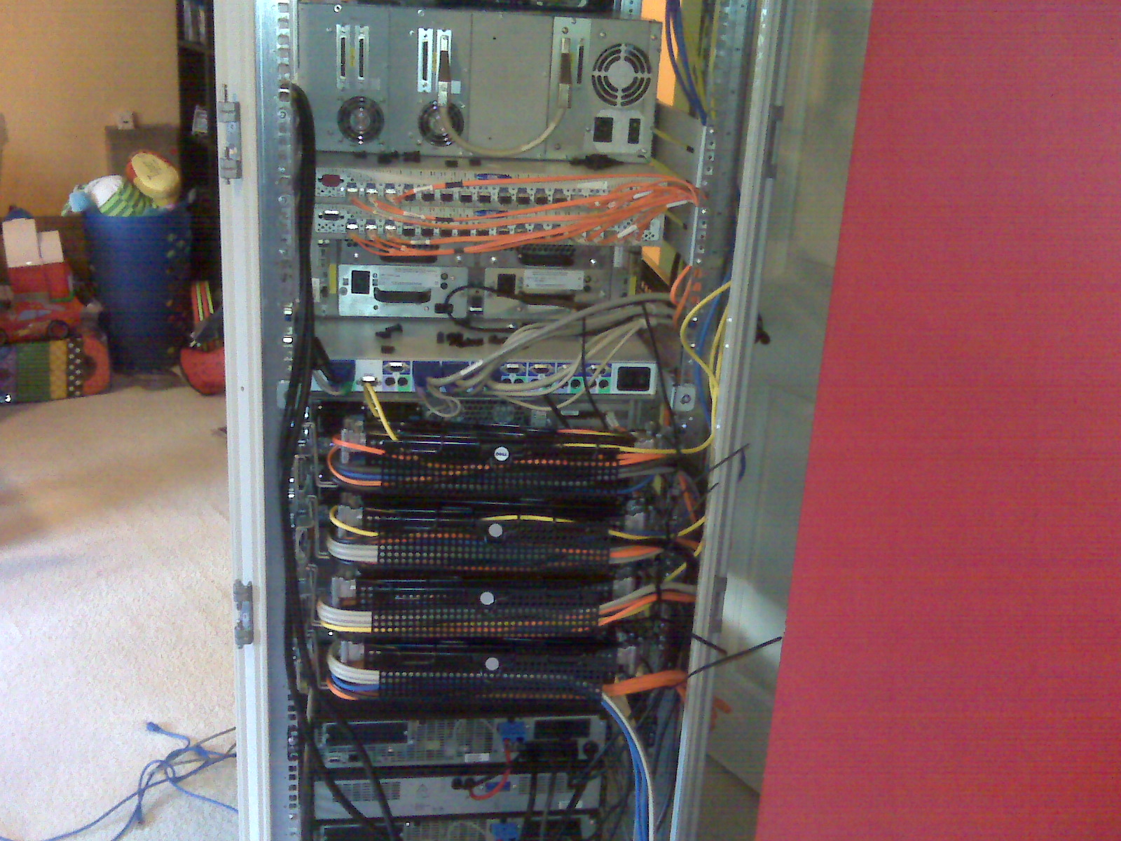 You can see that I paid attention to cable management, though it's still not as nice as I would have liked.